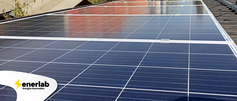 Fotos-Sistema-Fotovoltaico-Hibrido-en-Andresito-05.jpg
